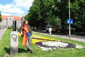 Przed urzędem w Szczecinie