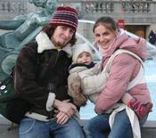 chusta w Londynie mama-Asia, ukochany- Piotr, dziecie- Hania, chusta- amazonas natura